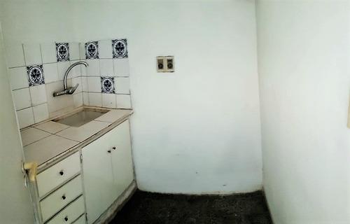 -1 dormitorio, 18 de julio, vivienda u oficina.