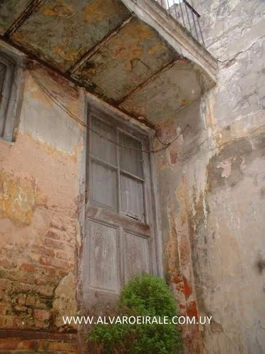 * casa ó local frente en rambla portuaria 424