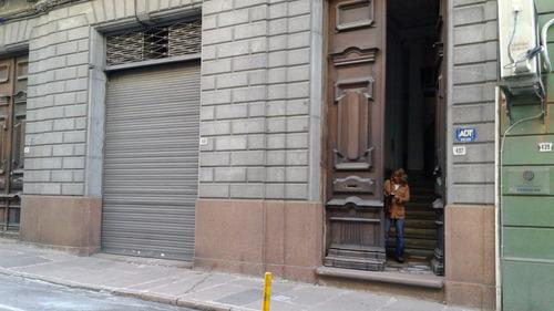# ciudad vieja edificio 1.140 m2* con 6 garages