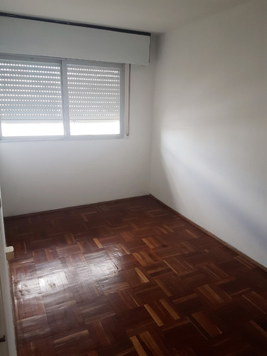!!! cómodo apartamento de 2 dormitorios en el centro!!!
