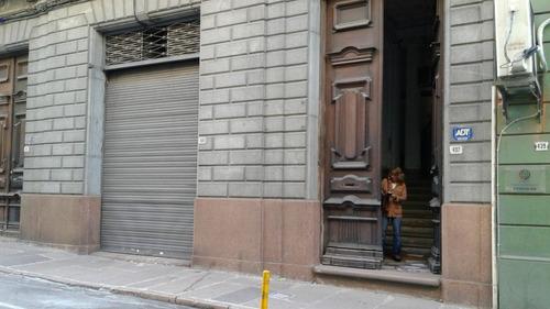 # edificio entero ciudad vieja