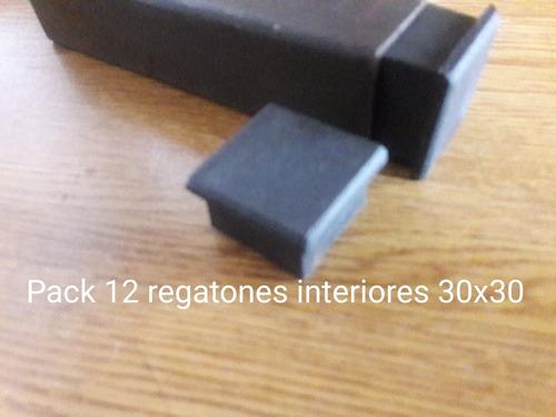 12 regatones interiores para caño de 30x30mm.