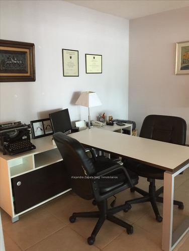 147 m de modernas oficinas en tres cruces, con renta