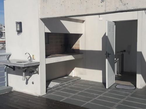 2 dormitorios amplios con terraza de uso exclus c/parrillero