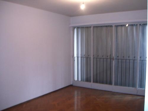 2 dormitorios living amplio apto.sobre  yi