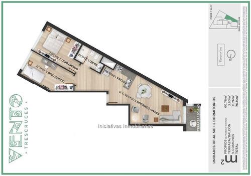 2 dormitorios y garage en tres cruces