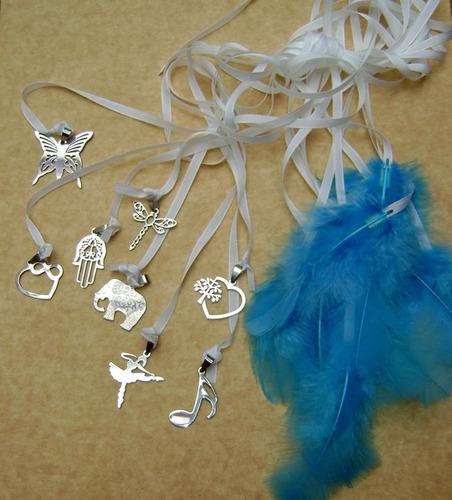 25 cintas dijes acero quirurgico plumas souvenir ceremonia