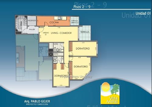 3 dormitorios ,a pasos del mar todo al frente.