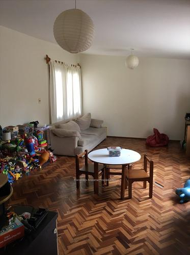 3 dormitorios, barbacoa, estar, amplia cocina muy linda