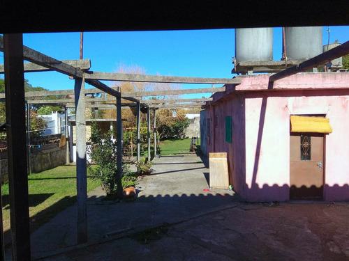 3 dormitorios garaje fondo con parrillero y casa al fondo