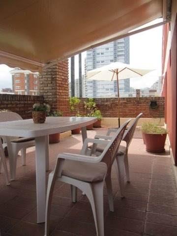 30 y gorlero, súper práctico, con garaje y cómodas terrazas!