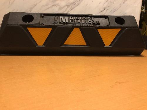 4 tope de estacionamiento 55 cm con herraje/anclaje