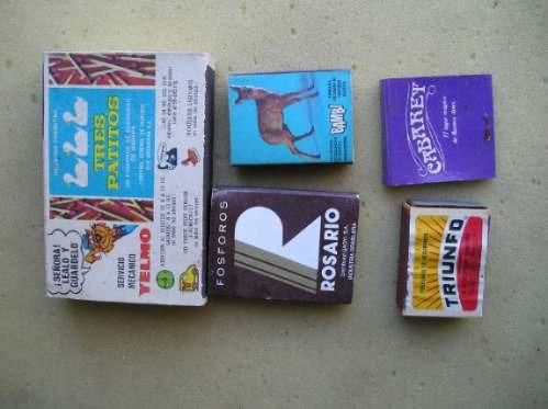 5 antiguas cajas de fosforos, 3 de ellas con fosforos.