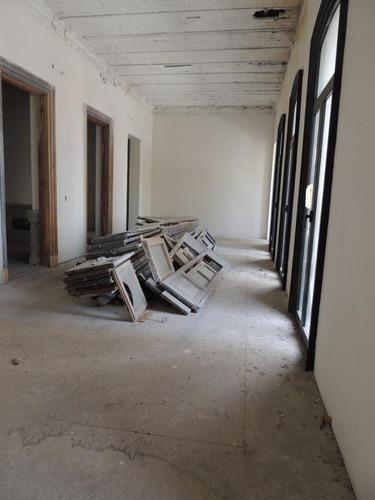600 m2 de oficinas en 18 de julio y vazquez.