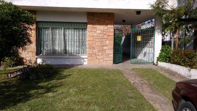 Casa En Parque Del Plata A Tres Cuadras De La Playa