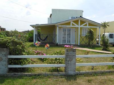 Ideal 2 Flias A 80 Mt.cabito,balconada 4 Dor,2 Banios