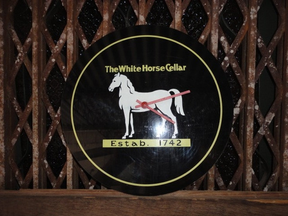 Reloj De Pared Whisky Caballo Blanco Estava Funcionando