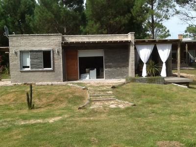 Casa A Una Cuadra De La Playa Punta Colorada.