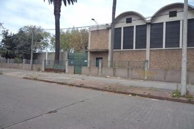 Casa Central - Local Industrial, San Martin Frente Al Macro