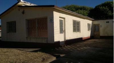 Dos Casas Parque Del Plata Sur (ref. Y 257 )