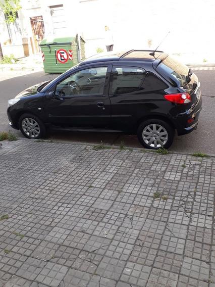 Peugeot 207 1.6 Xt 2011