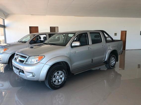 Toyota Hilux 3.0 Tdi Srv Cab Doble 4x2 (2009)