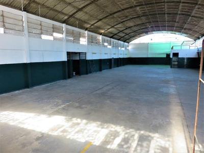 Local Industrial Osvaldo Cruz Y Camino Maldonado