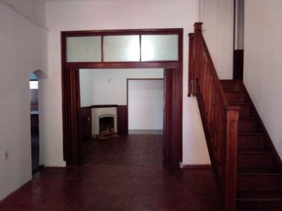 Casa De Cuatro Dormitorios .