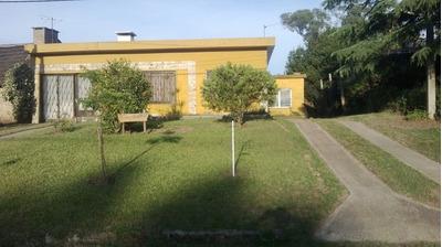 Amplia Casa 3 Cuadras Y Media De La Playa