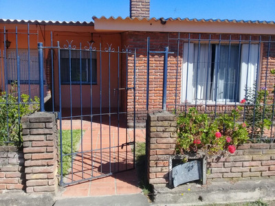 Vivienda Casa En Cooperativa 2 Dormitorios Parrillero Fondo
