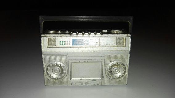 Sacapuntas Antiguo Radio Grabador