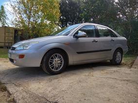 Ford Focus Ghia 2001