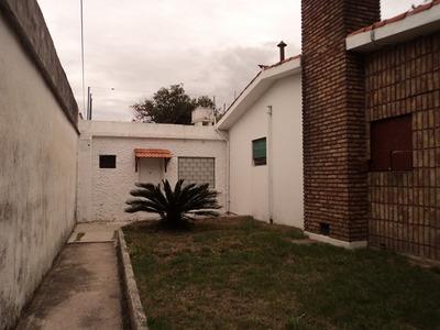 Casa Con Terreno De 155 Metros 2 Fondo Y Patio Parque