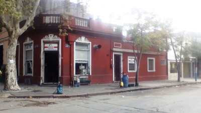 San Martin Y Bvar. Artigas, A Reciclar, Casa Y Local Fcio