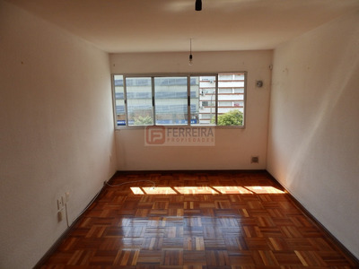 Venta De Apartamento 1 Dormitorio Al Frente- Tres Cruces