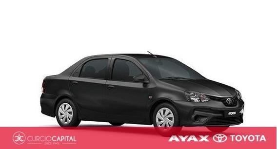 Toyota Etios X 2019 Negro 0km
