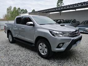 Toyota Hilux 3.0 Srv 4x2(permuto)