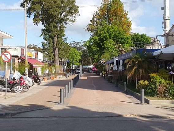 Local Centro Atlantida, Equipado