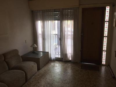 Casa Jacinto Vera Alquiler 2 Dormitorios, Sin Gastos Comunes, Guaviyu Y Bulevar, Patio, Gjex1
