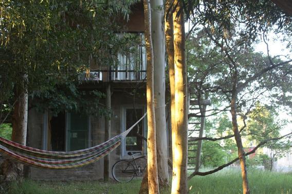 Alquilo Cabaña Rustica, Planta Baja Y Primer Piso Con Balcon