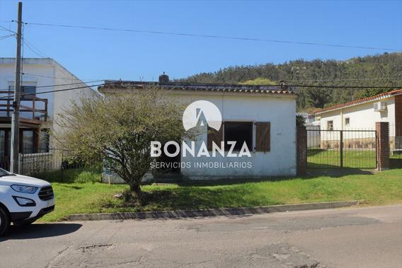 Casa En Venta, Piriápolis, Centro
