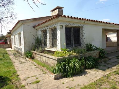 Sur 100mts De Giannattasio Casa 2 Dorm. Y Dos Apartamentos