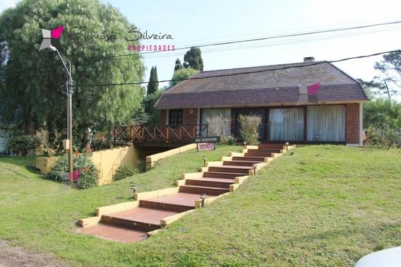 Casa En Alquiler Anual 5 Dormitorios-ref:8413
