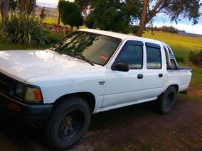 Vendo Toyota Hilux 2.8 D/cab 4x2 D