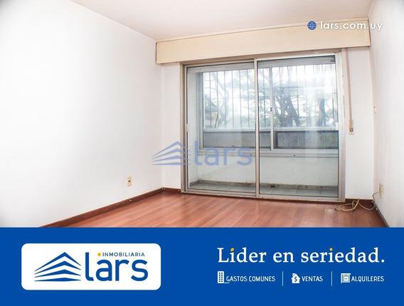 Apartamento En Alquiler / Parque Rodó - Lar