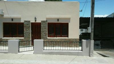 Oportunidad!! Casa De 3 Dormitorios + Apto Con Baño