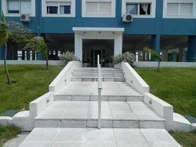 Alquiler De Apartamento En Edificio Luna De Mar, Aidy Grill