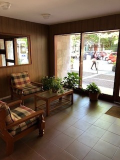 Muy Amplio Apartamento Exc Ubicación Sirve Consultorio