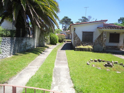Venta Las Toscas, Dos Casas En Un Padrón 305lt