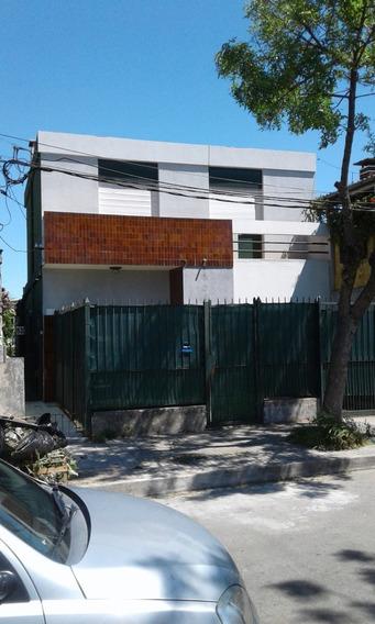 Casa De Altos Con Garage Y Terraza